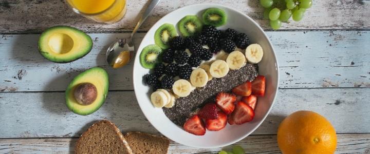 Diese 2 Arten von Lebensmitteln solltest du meiden bei Neurodermitis