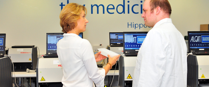 Interview: Frau Koch über den ALCAT-Test auf Nahrungsmittelsensitivitäten & chemische Überempfindlichkeiten