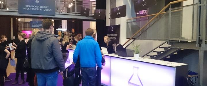 Volontärin beim Biohacker Summit Helsinki 2017, Teil I